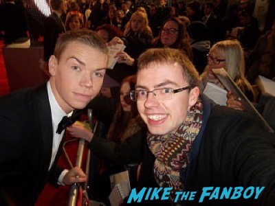 Will Poulter Bafta Awards 2016 signing autographs 6