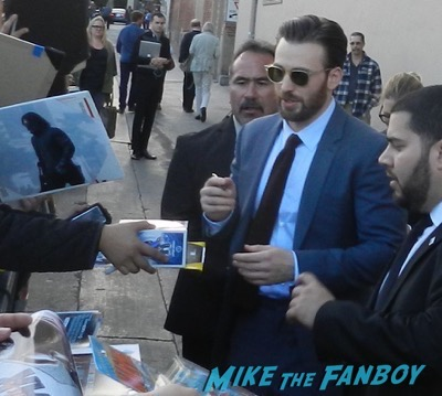 Chris Evans signing autographs jimmy kimmel live 2016 6