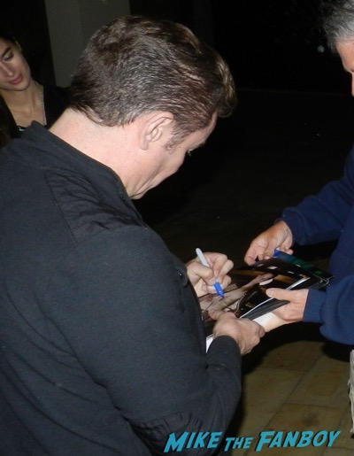 James MArsters signing autographs for fans 2016