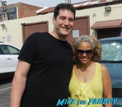 Kim Fields Signing Autographs Dancing With The Stars 11