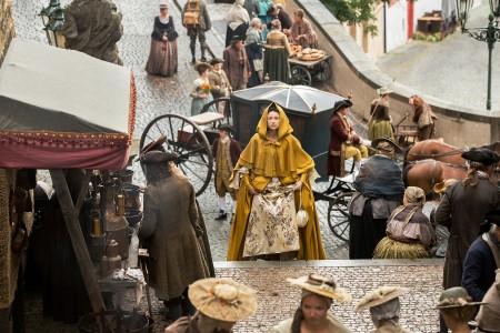 Outlander Caitriona+Balfe+(as+Claire+Randall+Fraser)+-+Episode+203+(3)