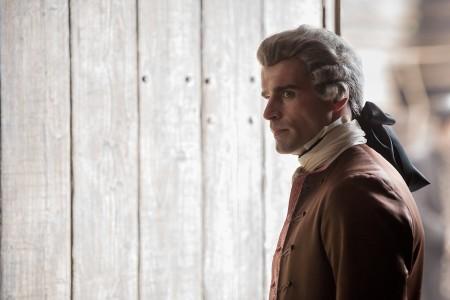 Outlander_201_+Le+Comte+St+Germain+(Stanley+Weber)