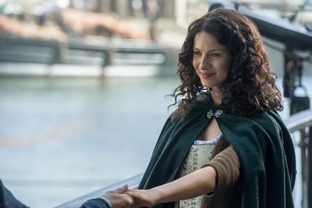 Outlander_201_Claire+Randall+Fraser+(Caitriona+Balfe)+(2)