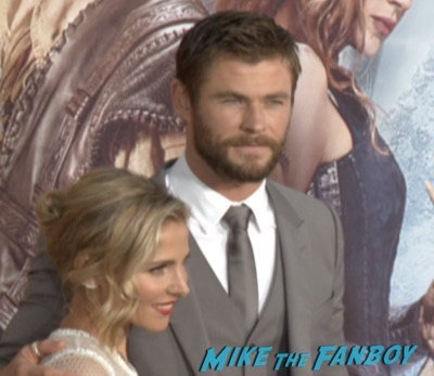 The huntsman los angeles premiere charlize theron signing autographs chris hemsworth5