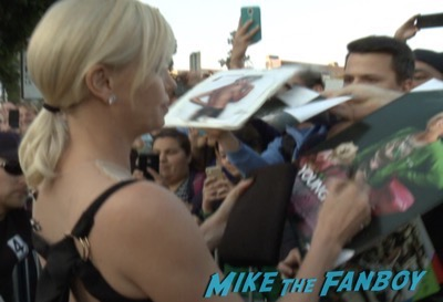 The huntsman los angeles premiere charlize theron signing autographs chris hemsworth6