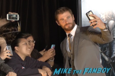 The huntsman los angeles premiere charlize theron signing autographs chris hemsworth8