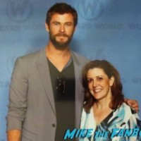 chris hemsworth fan photo Wondercon Cleveland2