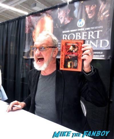 robert englund signing autographs Wondercon Cleveland4