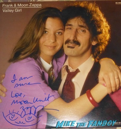 Moon Unit Zappa signing autographs lp