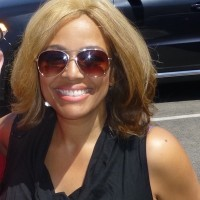 Kim Fields now signing autographs dancing with the stars