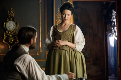 Caitriona+Balfe+(as+Claire+Randall+Fraser),+Duncan+Lacroix+(as+Murtagh+Fitzgibbons)-+Episode+206