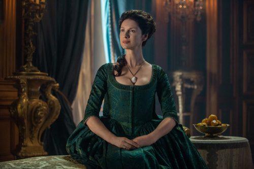 Caitriona-Balfe-as-Claire-Randall-Fraser-Episode-207