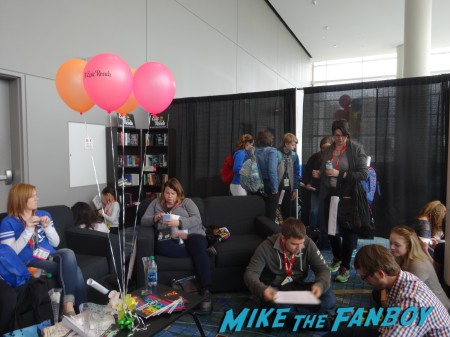 Epic Reads lounge (1)