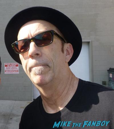 Garbage Steve Marker signing autographs jimmy kimmel live 2016 3