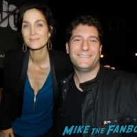 carrie anne-moss fan photo signing autographs