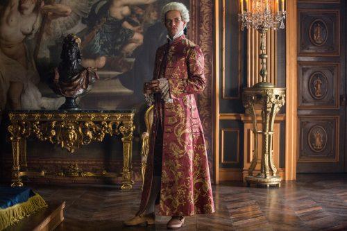 Lionel-Lingelser-as-King-Louis-XV-Episode-207