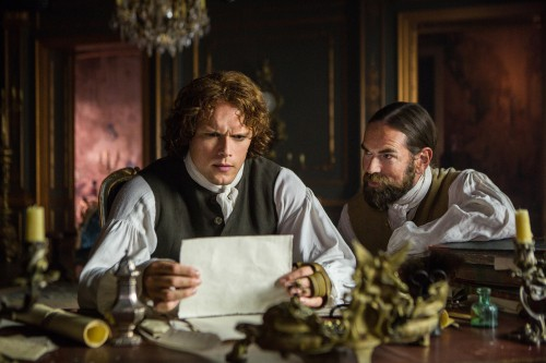 Sam+Heughan+(as+Jamie+Fraser),+Duncan+Lacroix+(as+Murtagh+Fitzgibbons)-+Episode+206