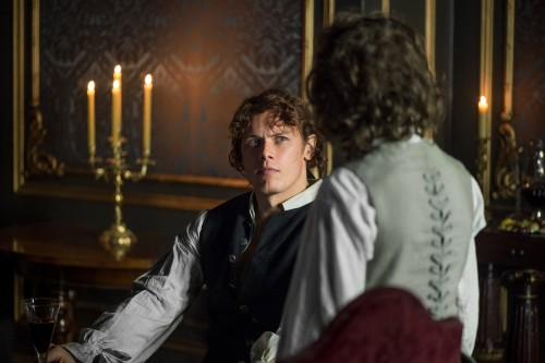 Sam+Heughan+(as+Jamie+Fraser),+Romann+Berrux+(as+Fergus)+-+Episode+206