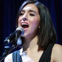 http://www.irishexaminer.com/examviral/celeb-life/former-the-voice-star-christina-grimmie-shot-dead-at-autograph-signing-404436.html