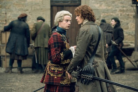 Andrew+Gower+(as+Prince+Charles+Stuart),+Sam+Heughan+(as+Jamie+Fraser)-+Episode+210