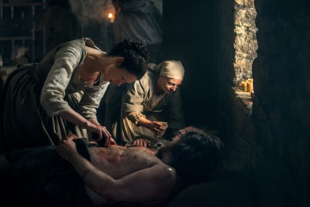 Caitriona+Balfe+(as+Claire+Randall+Fraser)-+Episode+210+(3)