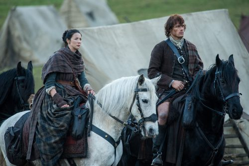 Caitriona Balfe (as Claire Randall), Sam Heughan (as Jamie Fraser) Ep. 212