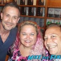 Freddie Prinze, Jr. fan photo meeting book signing