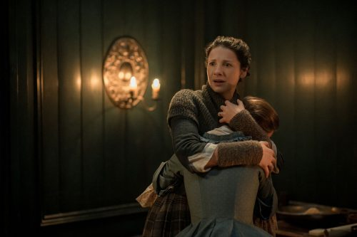 Caitriona Balfe (as Claire Randall Fraser), Rosie Day (as Mary Hawkins) Ep. 212