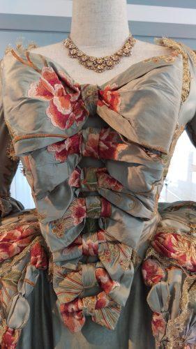 Details of Louise de Rohan Pistachio gown