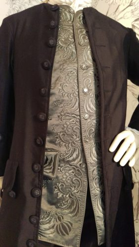 Details: Jamie Fraser (Silk wool suit with grey silk embroidered waistcoat)