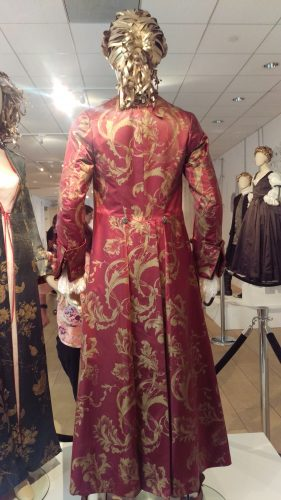Back: Dressing Robe King Louis XV (Hand-painted maroon silk banyan)