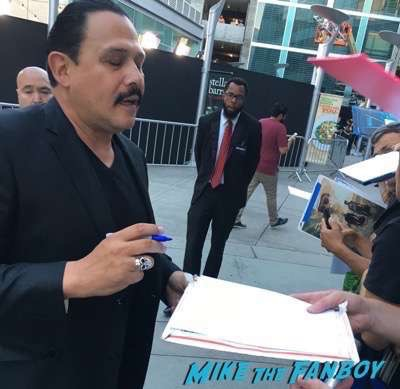 Emilio Rivera signing autographs meeting fans Hell or High Water Premiere ben foster signing autographs for fans meeting fans 11