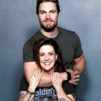 Stephen Amell Fan photo heroes and villains fan fest san jose meeting fans