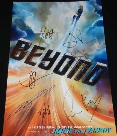 Star Trek Beyond san diego comic con premiere signing autographs simon pegg john cho 1