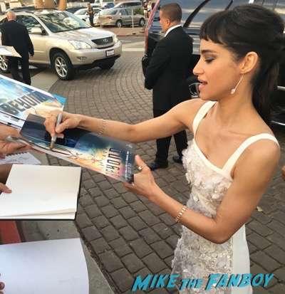 Star Trek Beyond san diego comic con premiere signing autographs Sofia Boutella