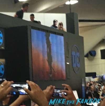 Wonder Woman cast signing DC Comic Con gal gadot meeting fans 2