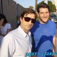 luke wilson meeting fans signing autographs 10