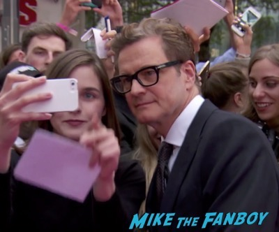 bridget-joness-baby-london-premiere-signing-autographs-rene-zellweger-meeting-fans-4