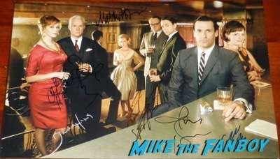 christina-hendricks-signed autograph mad mad cast photo psa