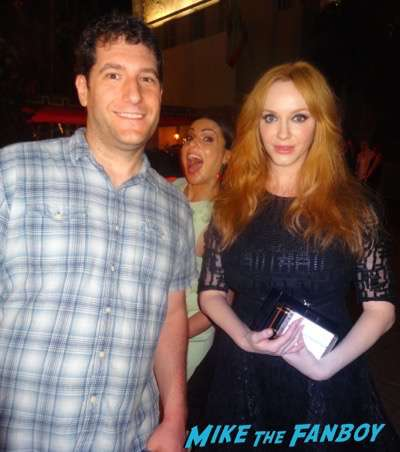 christina-hendricks-lana parilla photo bomb emmy night