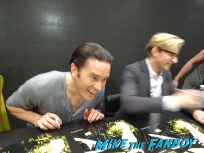 nycc-iron-fist-cast-autograph-signing-1