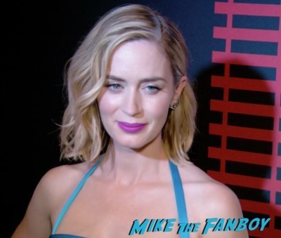 the-girl-on-the-train-new-york-premiere-red-carpet-emily-blunt-3