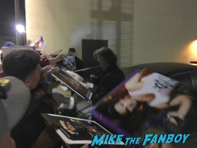 big-trouble-in-little-china-q-and-a-kurt-russell-signing-autographs-1