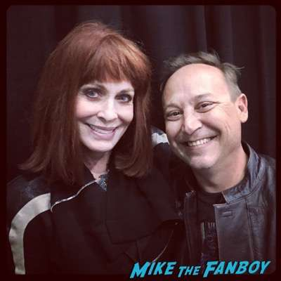 Joanna Cassidy meeting fans selfie rare now 2016 don't tell mom reunion