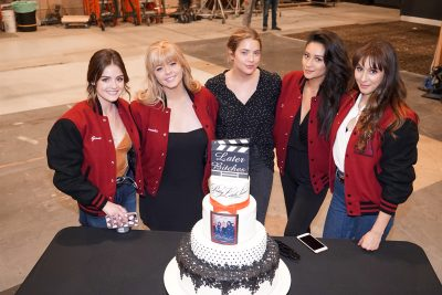 PRETTY LITTLE LIARS - The Pretty Little Liars cast and crew say goodbye on the final day of filming the series. (Freeform/Eric McCandless) LUCY HALE, SASHA PIETERSE, ASHLEY BENSON, SHAY MITCHELL, TROIAN BELLISARIO