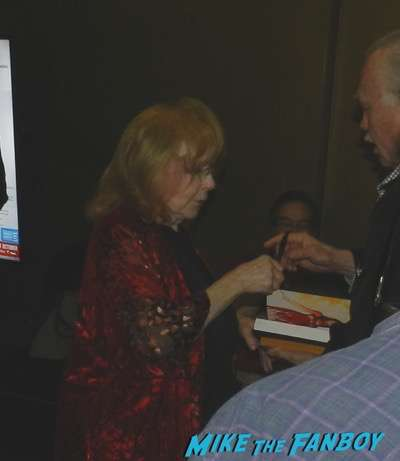 Carrie Reunion q and a piper laurie meeting fans signing autographs 2016