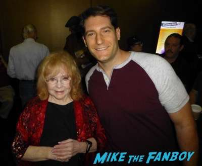 Piper Laurie selfie fan photo Carrie Reunion q and a piper laurie meeting fans signing autographs 2016