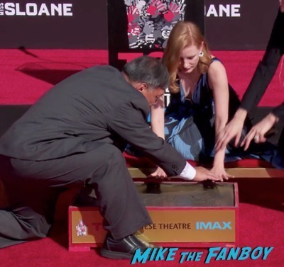 jessica-chastain-hand-and-footprint-ceremony-chinese-theater-2