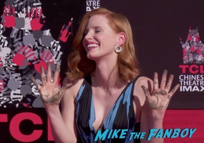 jessica-chastain-hand-and-footprint-ceremony-chinese-theater-5