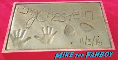 jessica-chastain-hand-and-footprint-ceremony-chinese-theater-8